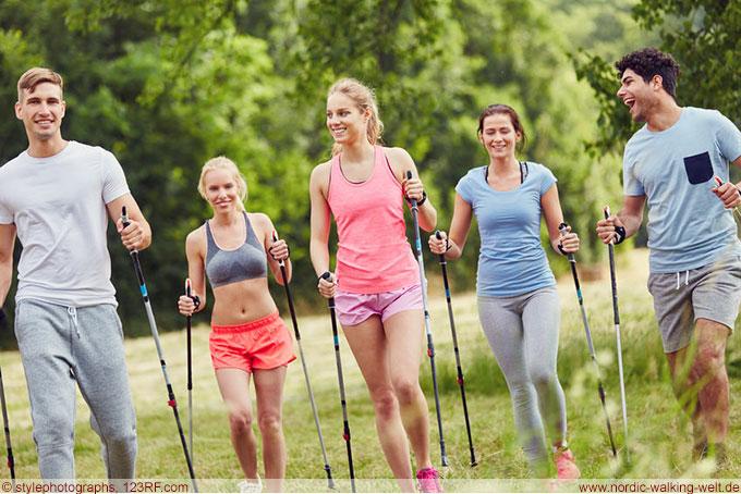 Nordic Walking ist für Menschen jeden Alters geeignet. www.nordic-walking-welt.de